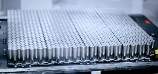 Baterie elektromobilů Tesla ztratí pouze 10 % kapacity po 320 000 km