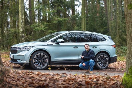 Největší půjčovna elektromobilů v ČR? Paradoxně sami řidiči v aplikaci HoppyGo