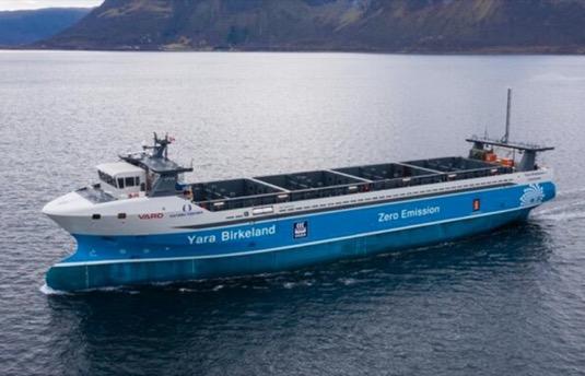 V Norsku vyplula na moře první robotická elektrická kontejnerová loď