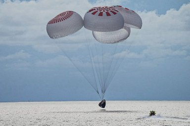 Inspirativní čtyřka se bezpečně vrátila z prvního amatérského letu společnosti SpaceX do vesmíru
