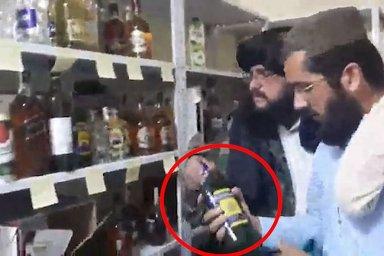 Sklad plný alkoholu na ambasádě v Kábulu? Normální vybavení každého českého velvyslanectví