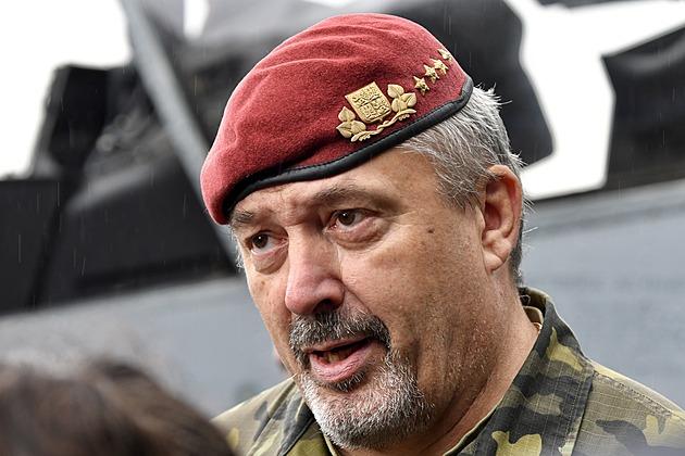 V české armádě má očkování proti covidu přes 85 procent vojáků, řekl Opata