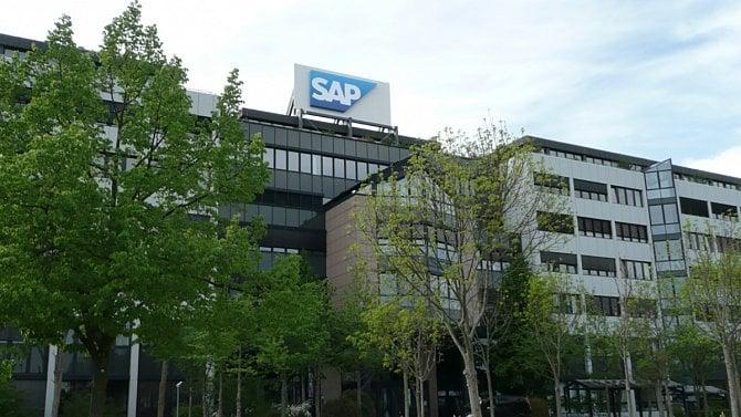 SAP v Česku díky cloudu zvýšil miliardové tržby, vedení získalo 31 milionů