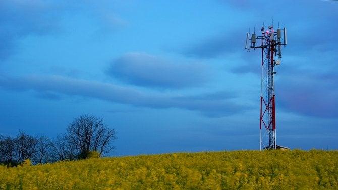 Velkoobchodní trh s mobilními daty nefunguje, říká ČTÚ v analýze a navrhuje regulaci cen