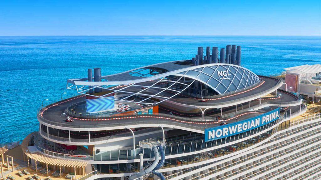 """Další luxusní loď s řadou """"nej"""". NCL modernizuje svoji flotilu v době, kdy se tržby plavebních společností propadly na pětinu"""