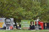 Německá politická scéna je v křeči. Situace po volbách ukáže sílu tamní demokracie