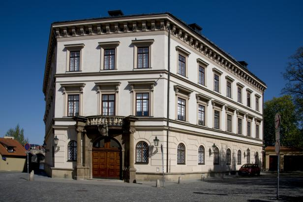 Otevírá se Lichtenštejnský palác a tři ministerstva, lidé je o svátku mohou navštívit zdarma