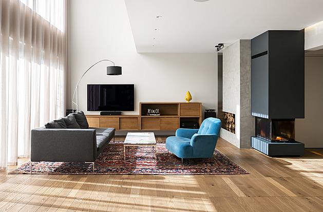 Majitel vily je nadšený, interiér mu architekti navrhli přesně na míru