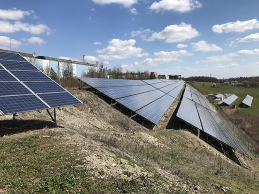 Modernizační fond nahrává velkým výrobcům solární energie. Malé pustil k vodě