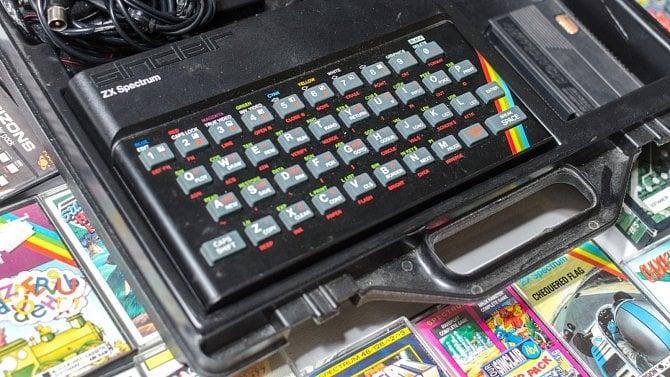 Programovací jazyky a vývojové nástroje pro mikropočítače společnosti Sinclair Research