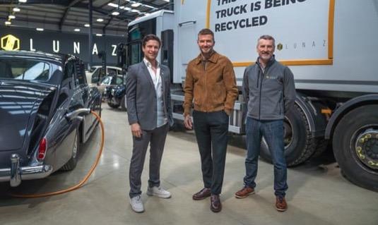 David Beckham investuje do britské elektromobilní firmy