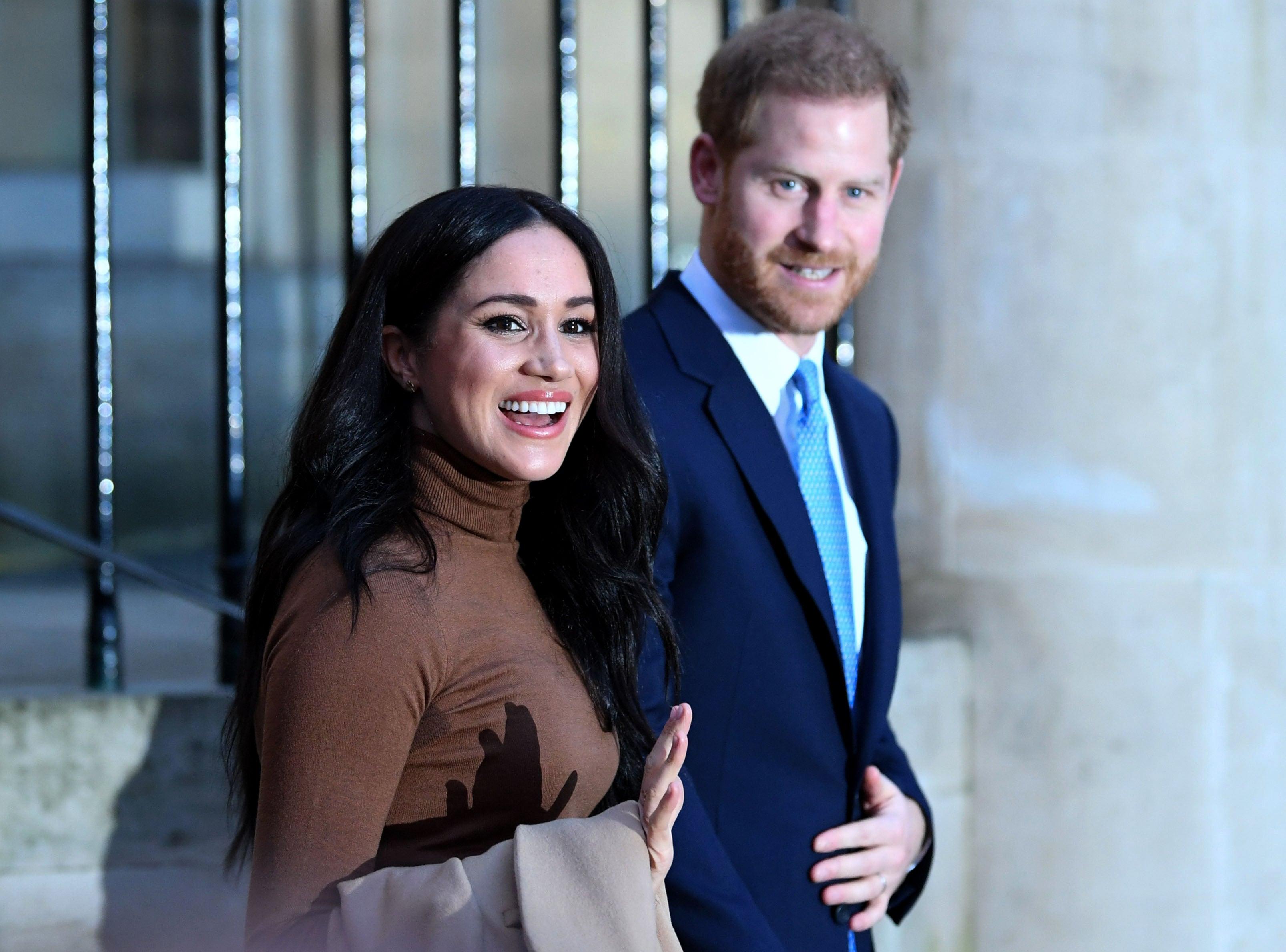 Harry a Meghan oznámili narození dcery, dostala jméno Lilibet Diana