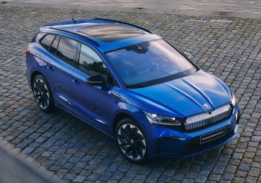 Elektromobil Škoda Enyaq iV přijíždí ve verzi Sportline a pohonem 4x4