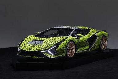Lamborghini z kostek: V Kladně vznikl supersport z Lega. Jde o vizuálně věrnou kopii skutečného auta, říkají tvůrci