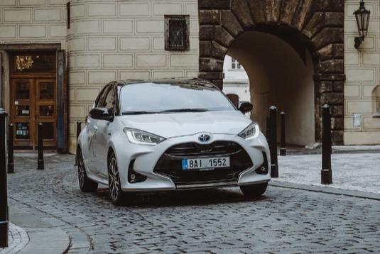 Toyota založila globální fond pro snižováním emisí oxidu uhličitého