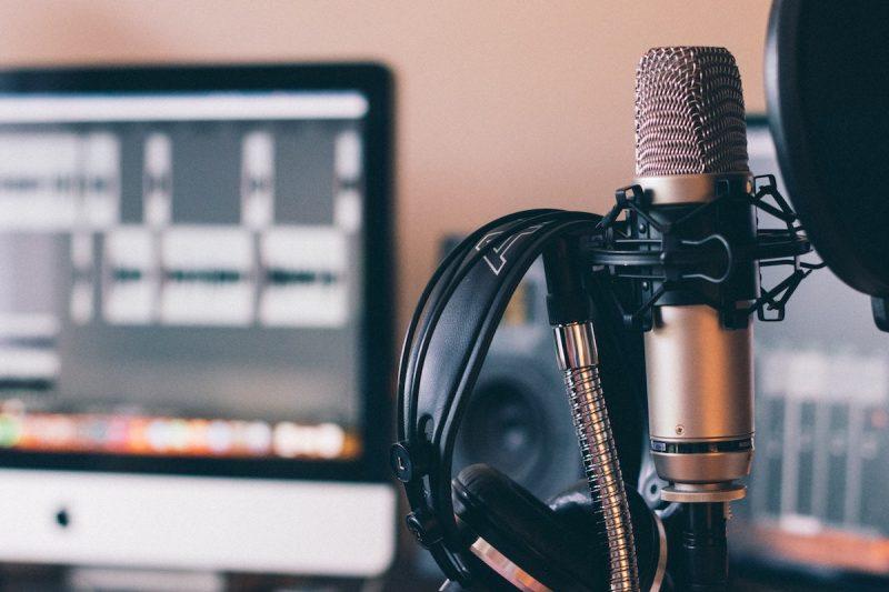 VČesku fungují tři tisíce podcastů, počítá Newton