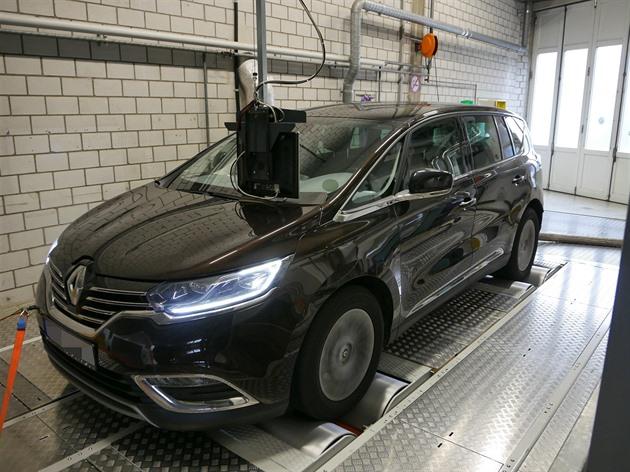 Dieselgate nekončí. Úřady nařídily Renaultu šetřit miliardy na pokuty