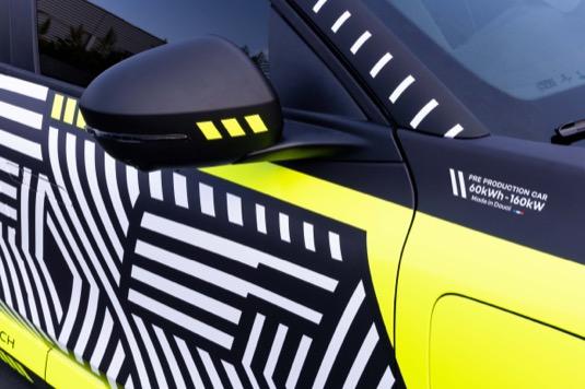 Nový elektromobil Renault Mégane E-Tech Electric vyrazil na silnice, zatím zkušebně