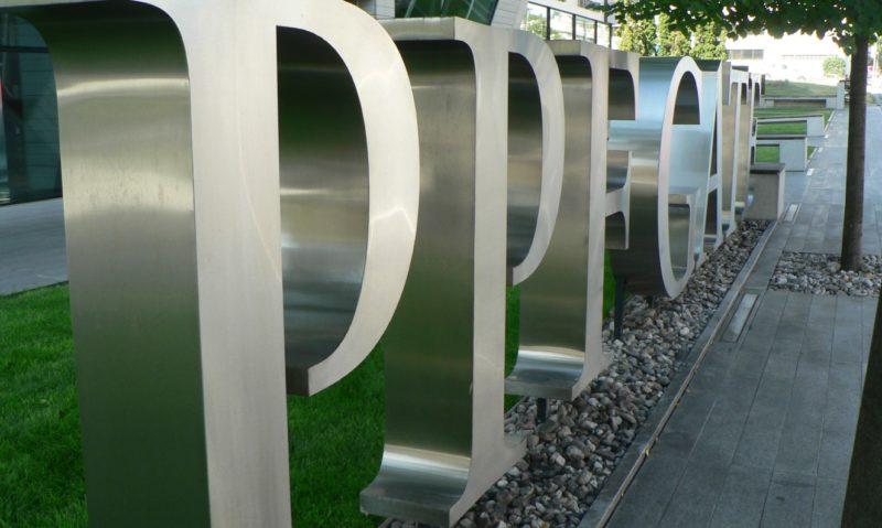 PPF přesouvá matku finančních investic z Nizozemí do Česka