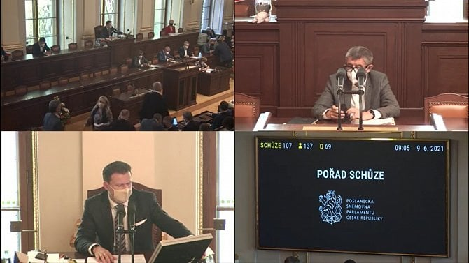 Sněmovna se k majetkovým přiznáním novinářů dnes nedostala