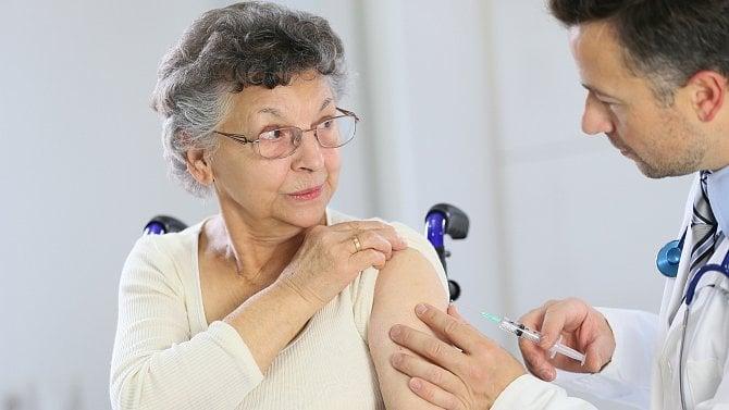 Věkové omezení 60let uaplikace vektorových vakcín proti COVID-19