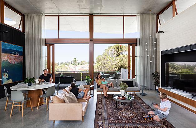Nejskvělejší dům postavil architekt pro svou rodinu. Dělá jim jen radost