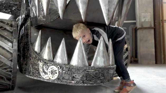 Z kotelny po sovětských vojácích vytvořili industriální dětskou hernu