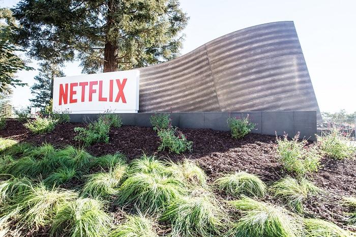 Netflix zavádí online prodej zboží s tematikou svých pořadů