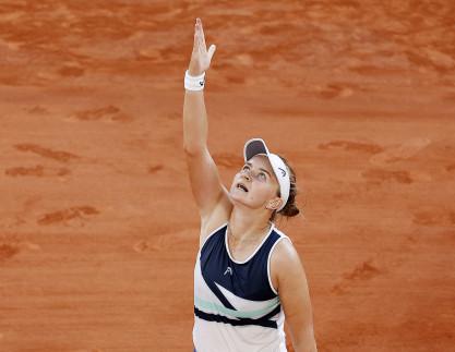 """""""Pracovitá, vychovaná, odolná."""" Krejčíková může ovíkendu přepsat tenisový rekord"""