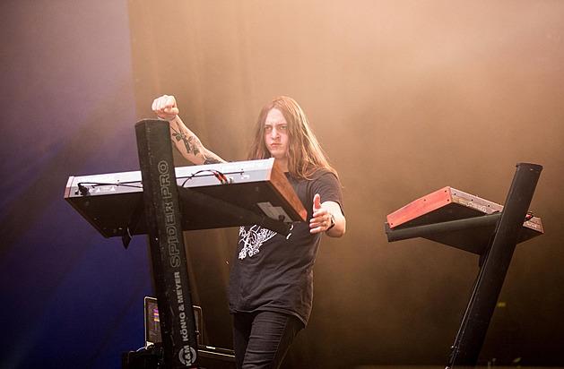 RECENZE: Perturbator se na novém albu ocitl pod gotickou klenbou