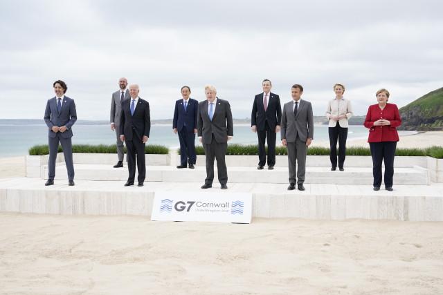 Evropa hostí amerického prezidenta. Analyzujeme, co od jeho návštěvy můžeme čekat