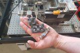Vědci pracují na kloubních náhradách vyrobených na 3D tiskárně. Pomoc by měly pacientům s artrózou