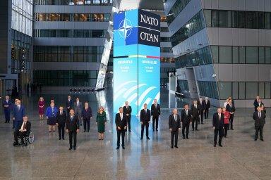 """""""Amerika je zpět,"""" vzkázal Biden Evropanům. Lídři NATO se postavili za Česko ve sporu s Ruskem"""