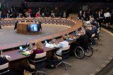 Členské státy NATO se na summitu postavily za Česko. Za mezinárodní hrozbu označily Rusko a Čínu