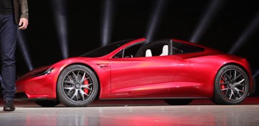 Zůstane novému Tesla Roadsteru dojezd 1000 km, nebo bude muset 640 km stačit každému?