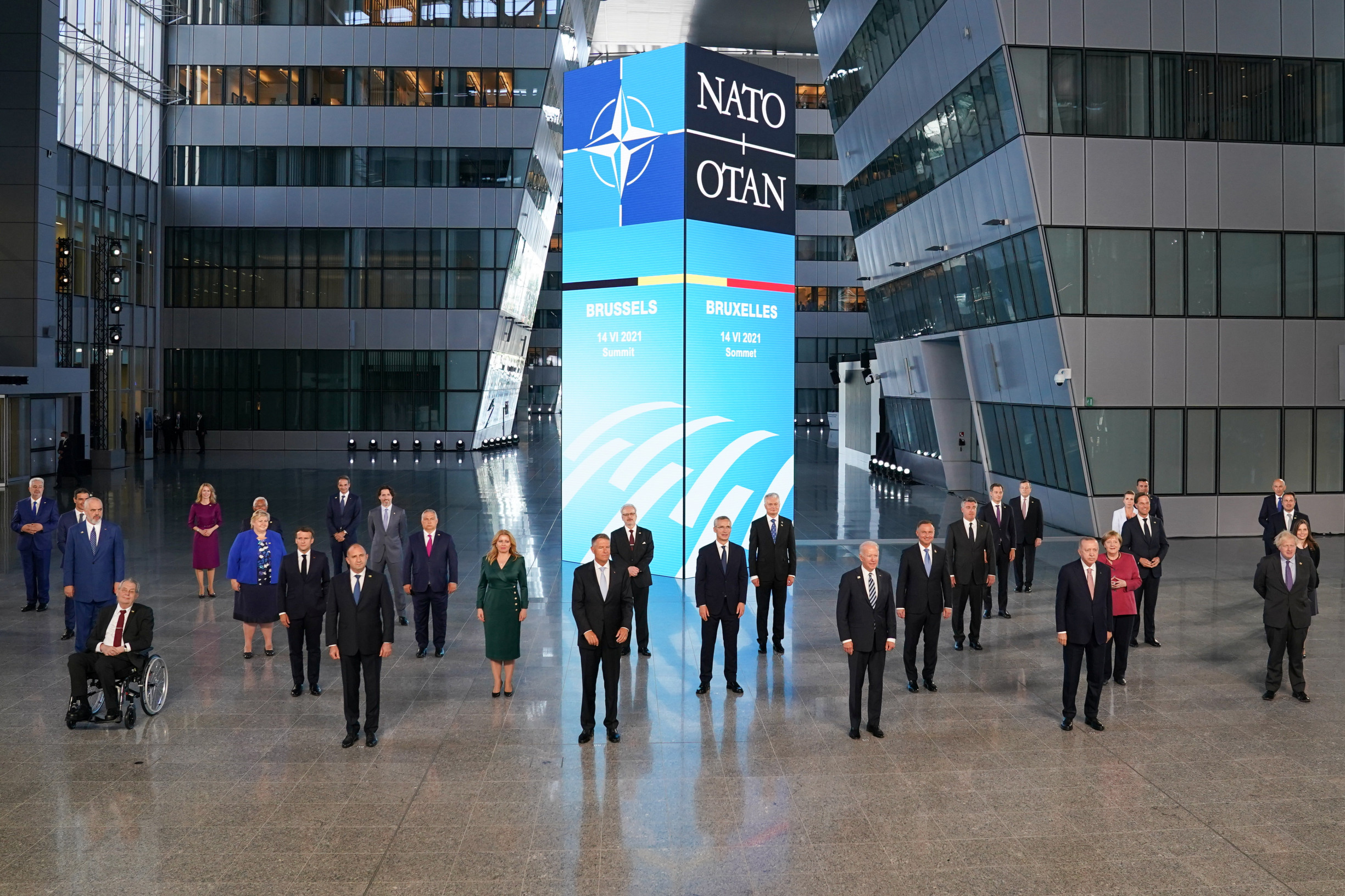 Čína, Rusko, Vrbětice, uhlí avakcíny. Jednání G7skončilo, začalo NATO, první sprezidentem Bidenem