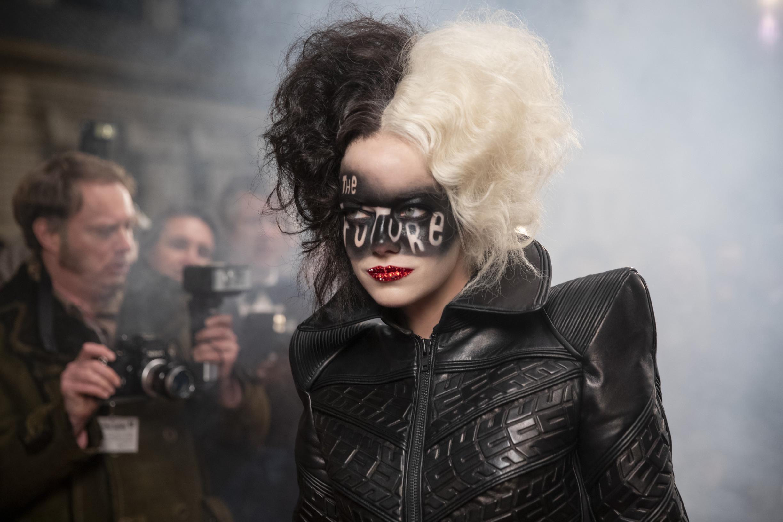 Cruella je nezdařený Disneyho pokus opop-feminismus, znějž by si měl Hollywood vzít ponaučení