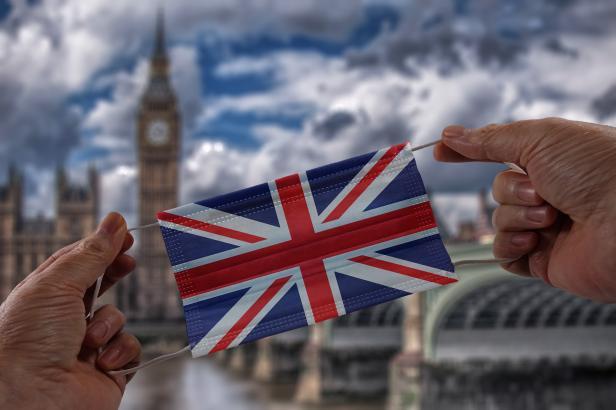 Delta varianta covidu vzbuzuje v Británii obavy. Má jiné příznaky, snadněji se přenáší a může odolávat protilátkám