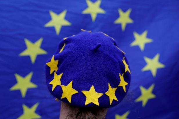 O první dluhopisy EU na obnovu po pandemii je velký zájem, píše agentura Reuters