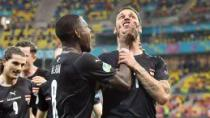 Za kontroverzní oslavu konec na ME? UEFA řeší Arnautovice, Rakušan obvinění odmítá
