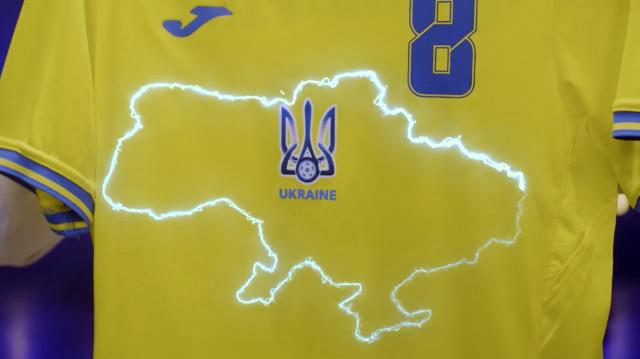 """Politický spor ovzhled fotbalových dresů: """"Vítězný kompromis"""" aKrym je Ukrajina"""