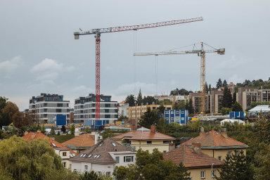 Rostoucí poptávka, zaostávající nabídka. Pražské byty dále zdražují, průměrně stojí metr čtvereční 125 tisíc korun