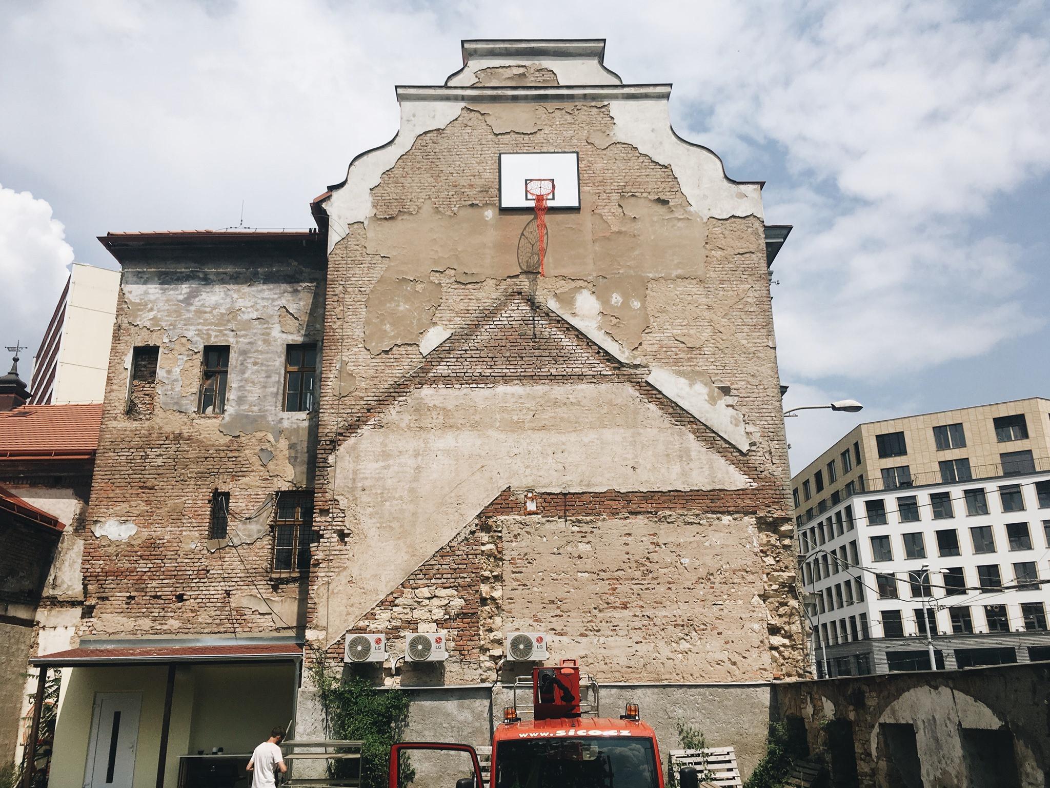 Veřejný prostor vHolešovicích ana Letné vrámci Festivalu m3obohatilo 14umělců